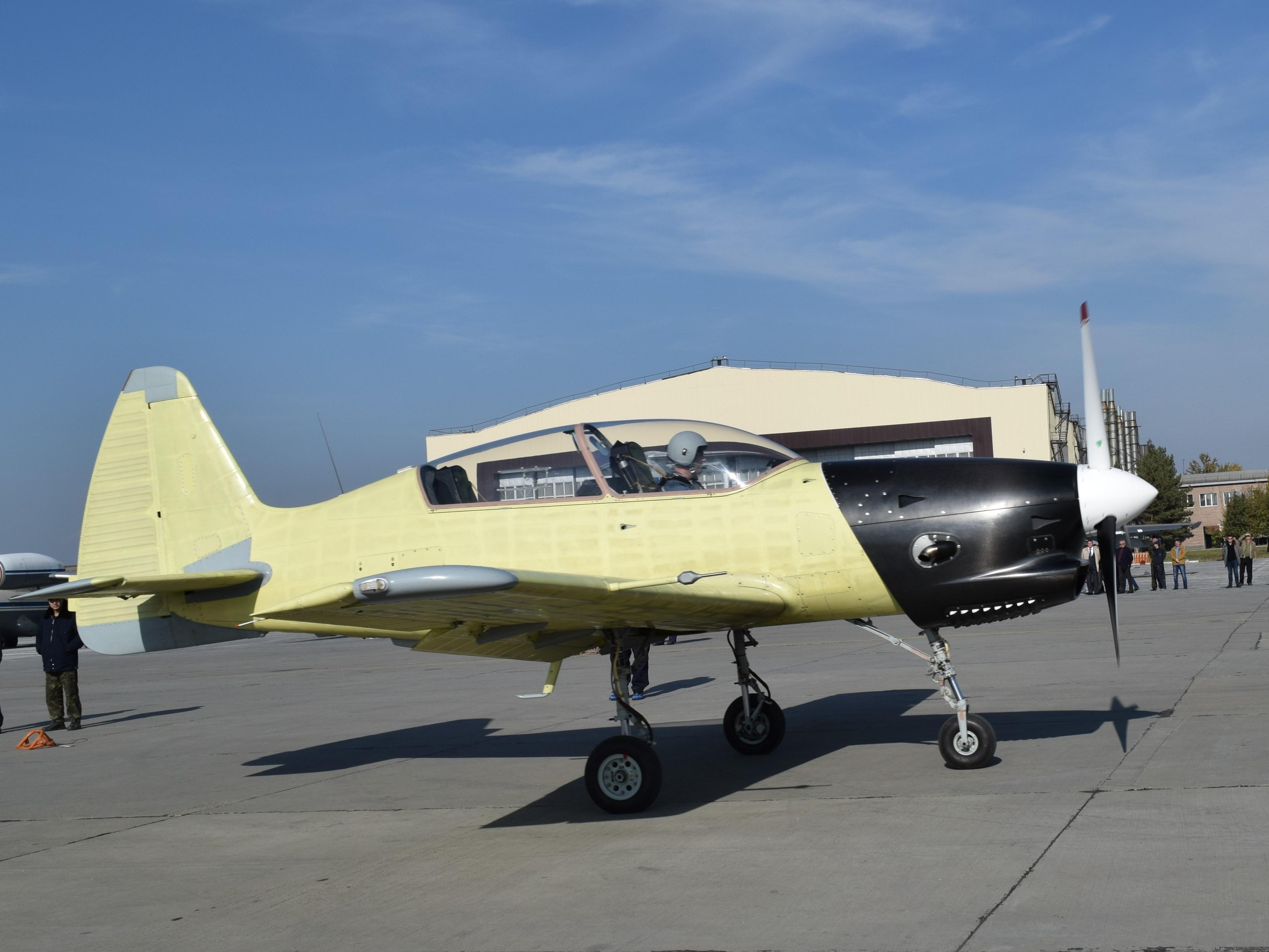 Пару слов о программе учебного самолета Як-152